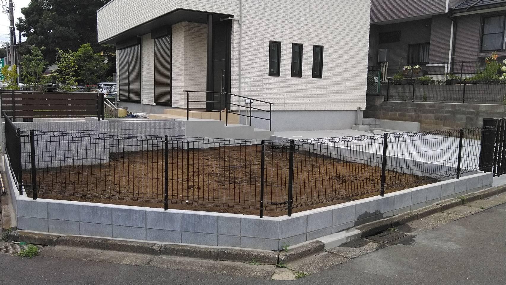 ブロック・フェンス