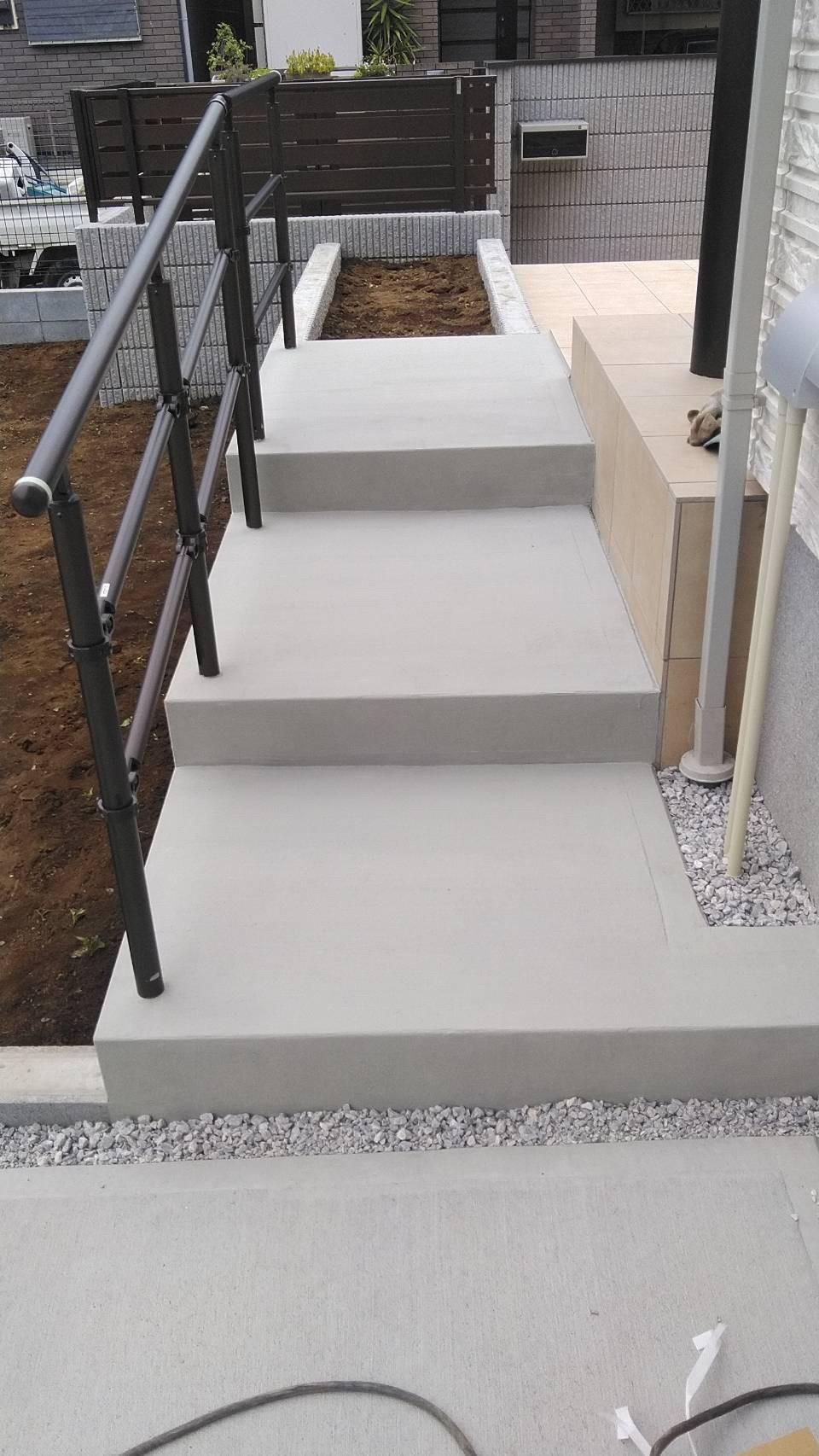 駐車場つなぎ階段