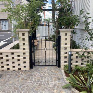 2021年7月 埼玉県所沢市 ブロックフェンス・列柱
